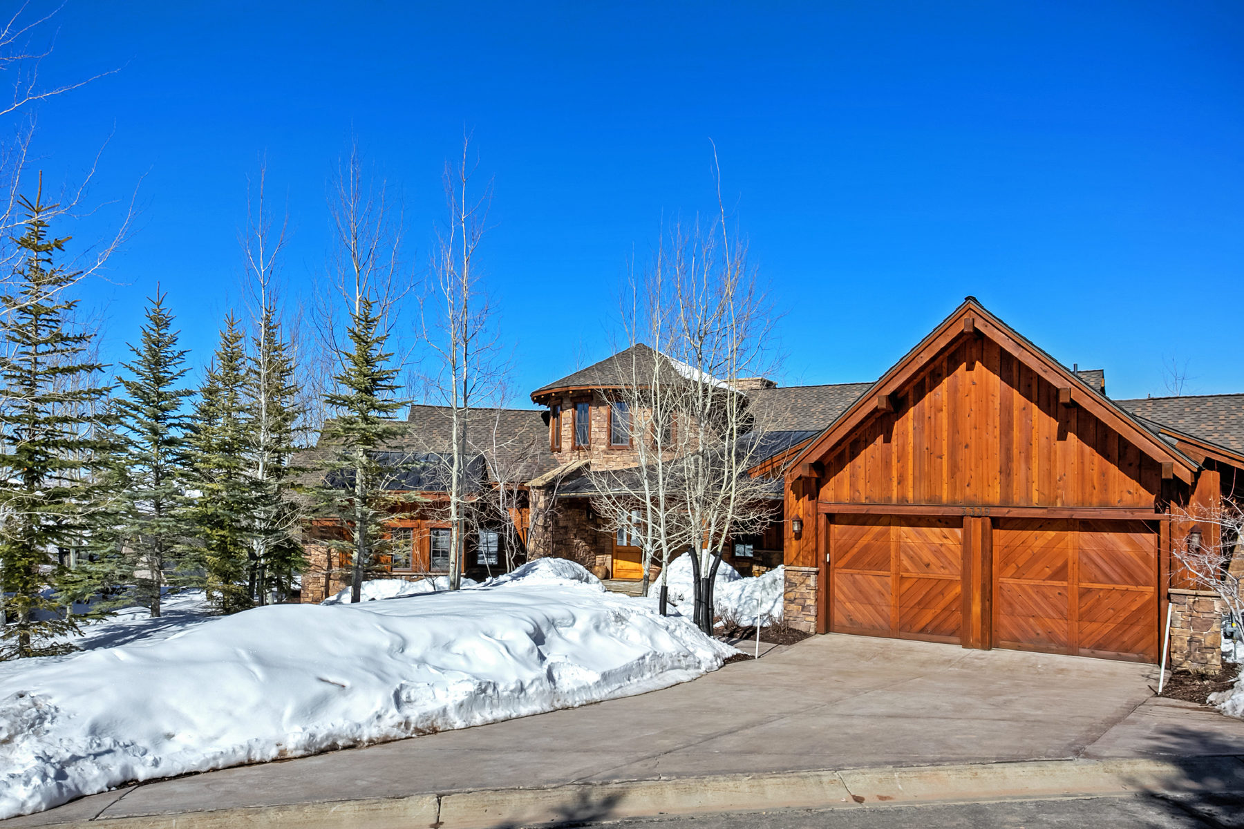 Casa Unifamiliar por un Venta en The Most Beautifully Upgraded Promontory Ranch Club Cabin You Will Ever See 3339 Tatanka Trl Park City, Utah, 84098 Estados Unidos