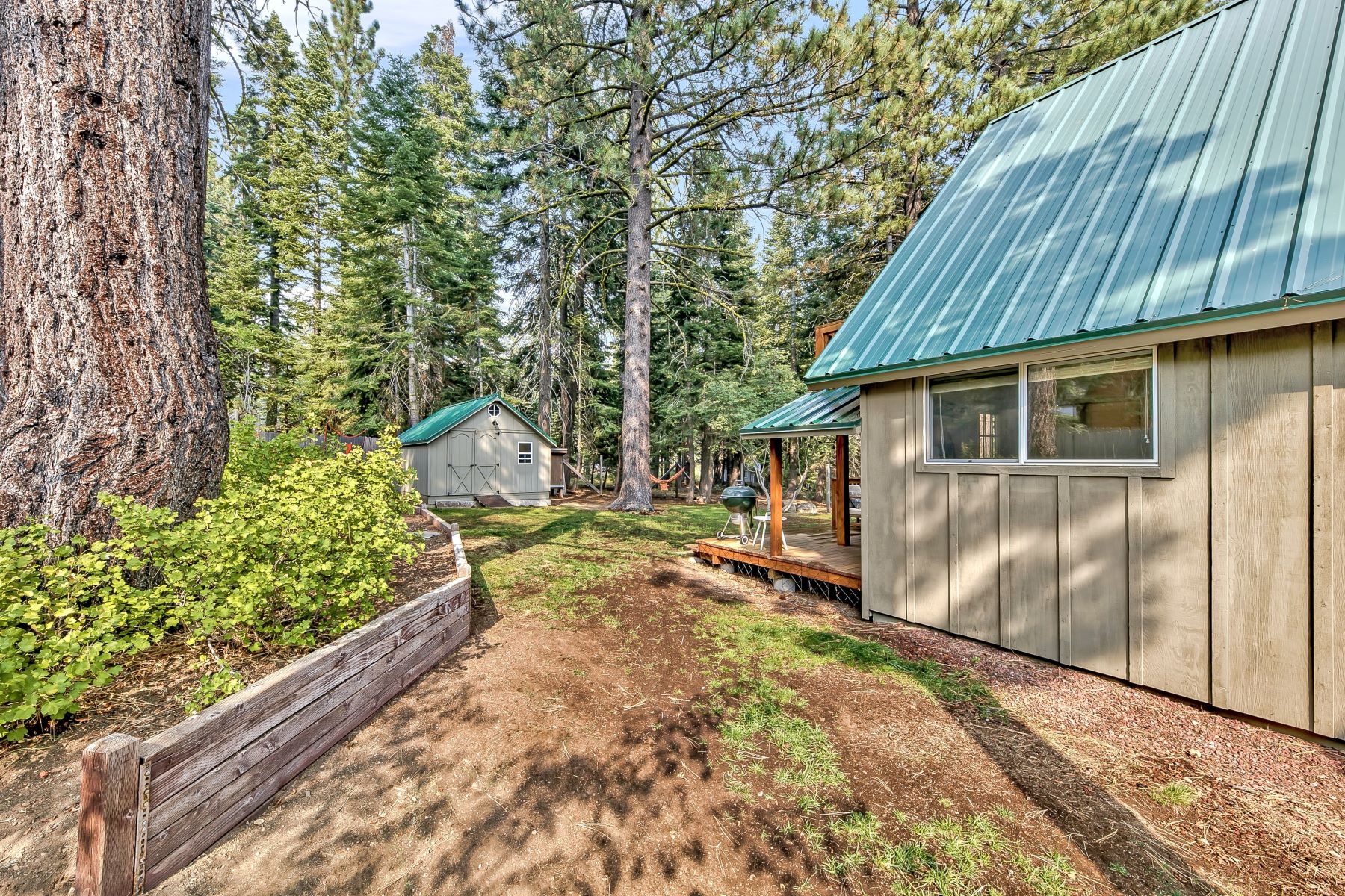 Additional photo for property listing at Exquisite Modern Mountain Retreat 1860 Toboggan Road Tahoe City, California 96145 United States