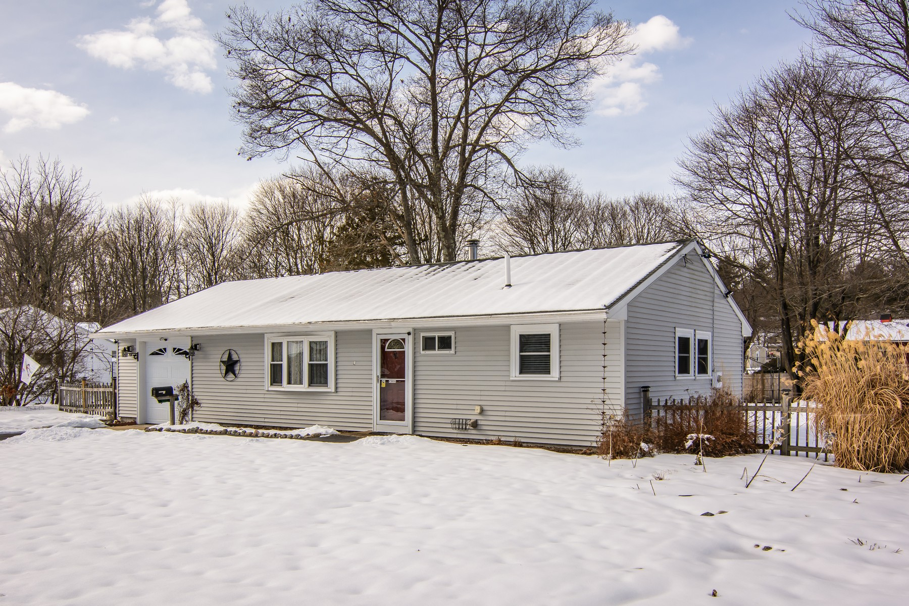 Single Family Home for Active at Beautiful Gunnison Ranch 78 Baldwin Avenue Framingham, Massachusetts 01701 United States
