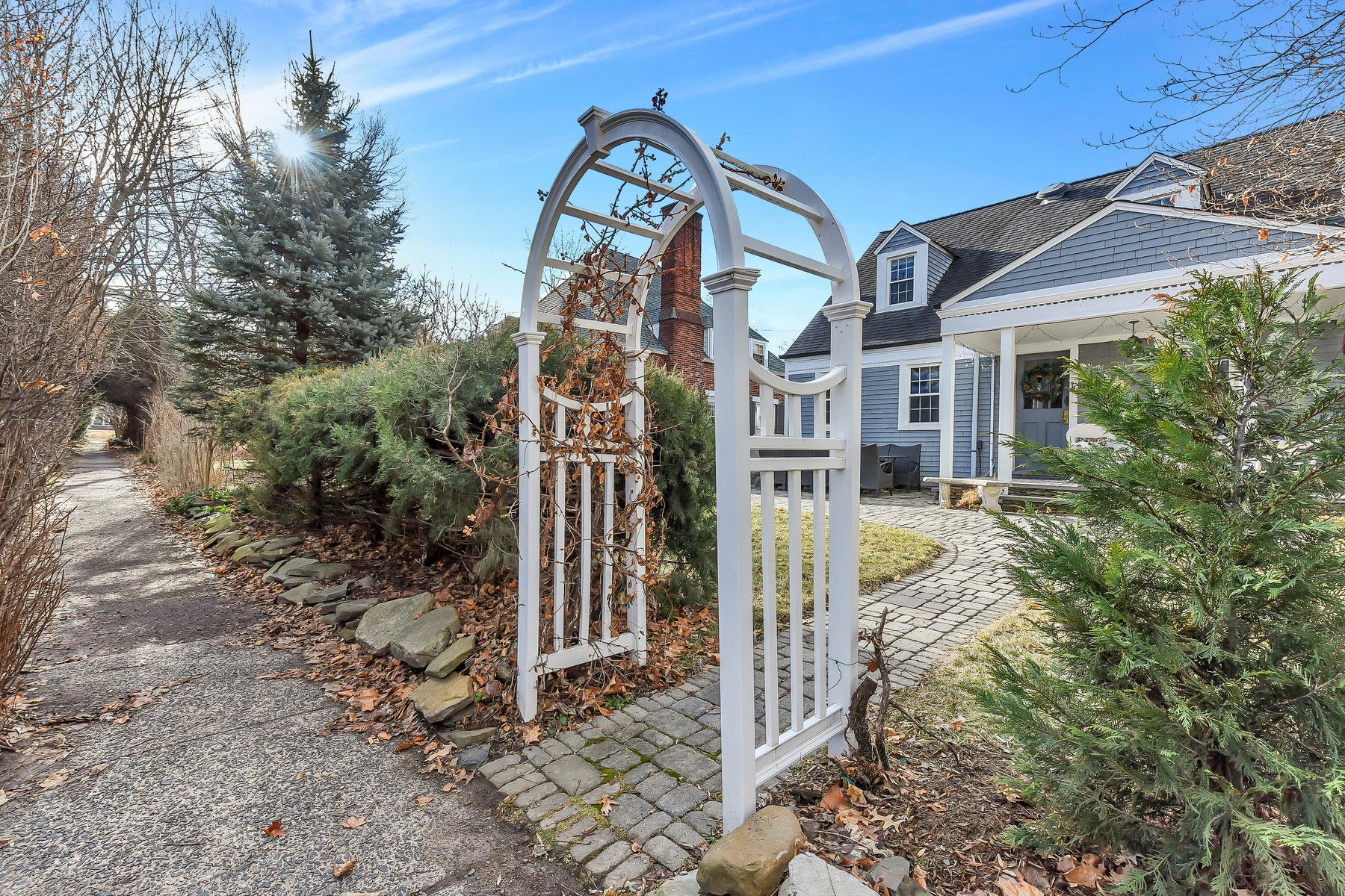 Single Family Home for Sale at Welcome To Historic Radburn! 8 Barry Place, Fair Lawn, New Jersey 07410 United States