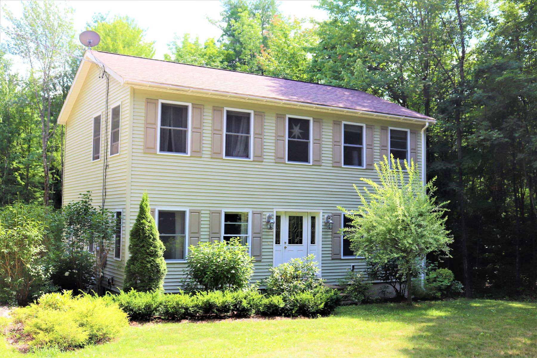 Single Family Home for Sale at 71 Fox Chase Road 71 Fox Chase Rd Sutton, New Hampshire 03273 United States