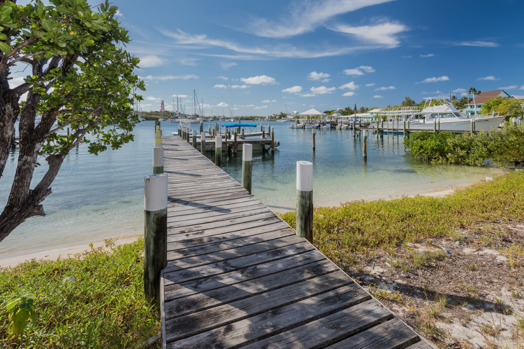 Additional photo for property listing at Plantation Beach Elbow Cay Hope Town, Abaco Bahamas