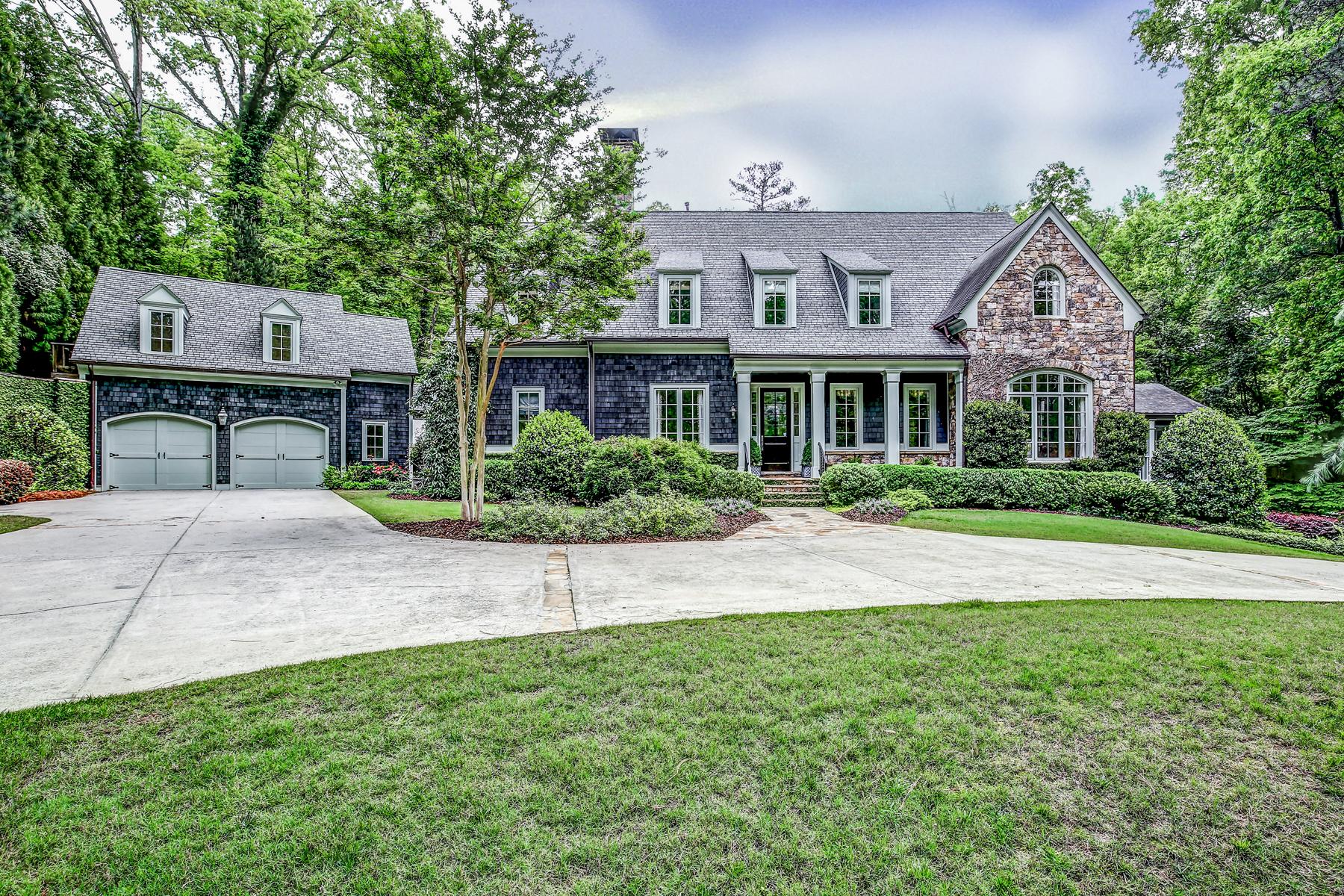 Casa Unifamiliar por un Venta en Buckhead Cape Cod Stunner 4065 Beechwood Drive NW Buckhead, Atlanta, Georgia, 30327 Estados Unidos