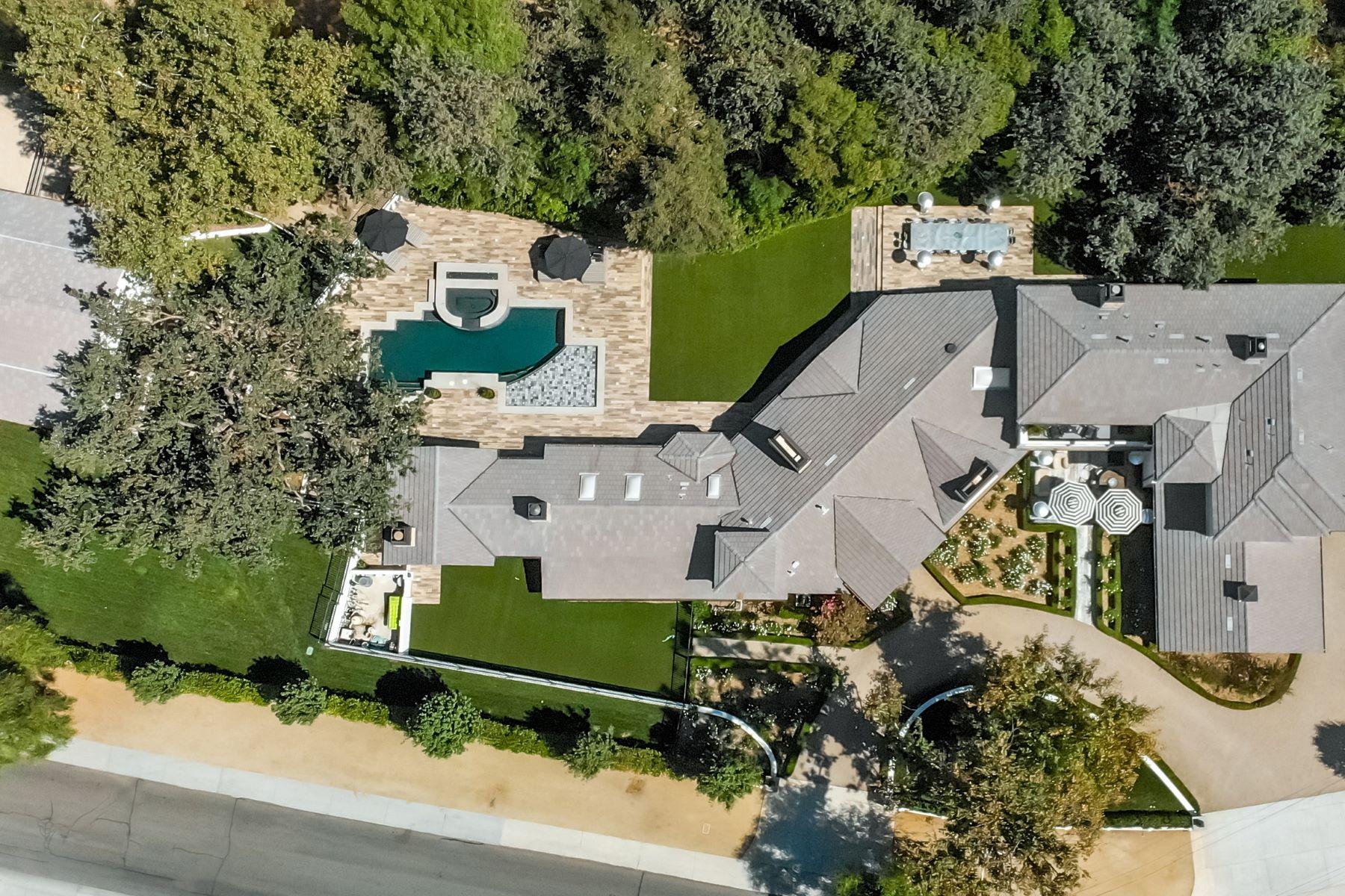 Single Family Homes para Venda às Hidden Hills, Califórnia 91302 Estados Unidos