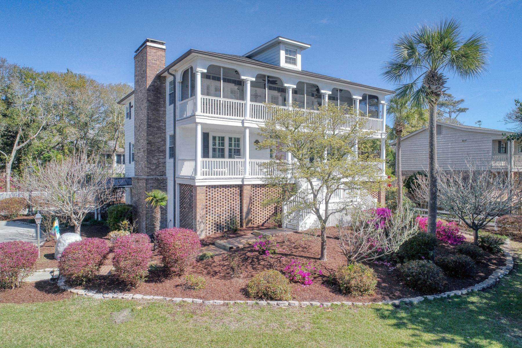 Single Family Homes for Sale at Quintessential Southern Charm 1301 Hillside Dr N North Myrtle Beach, South Carolina 29582 United States