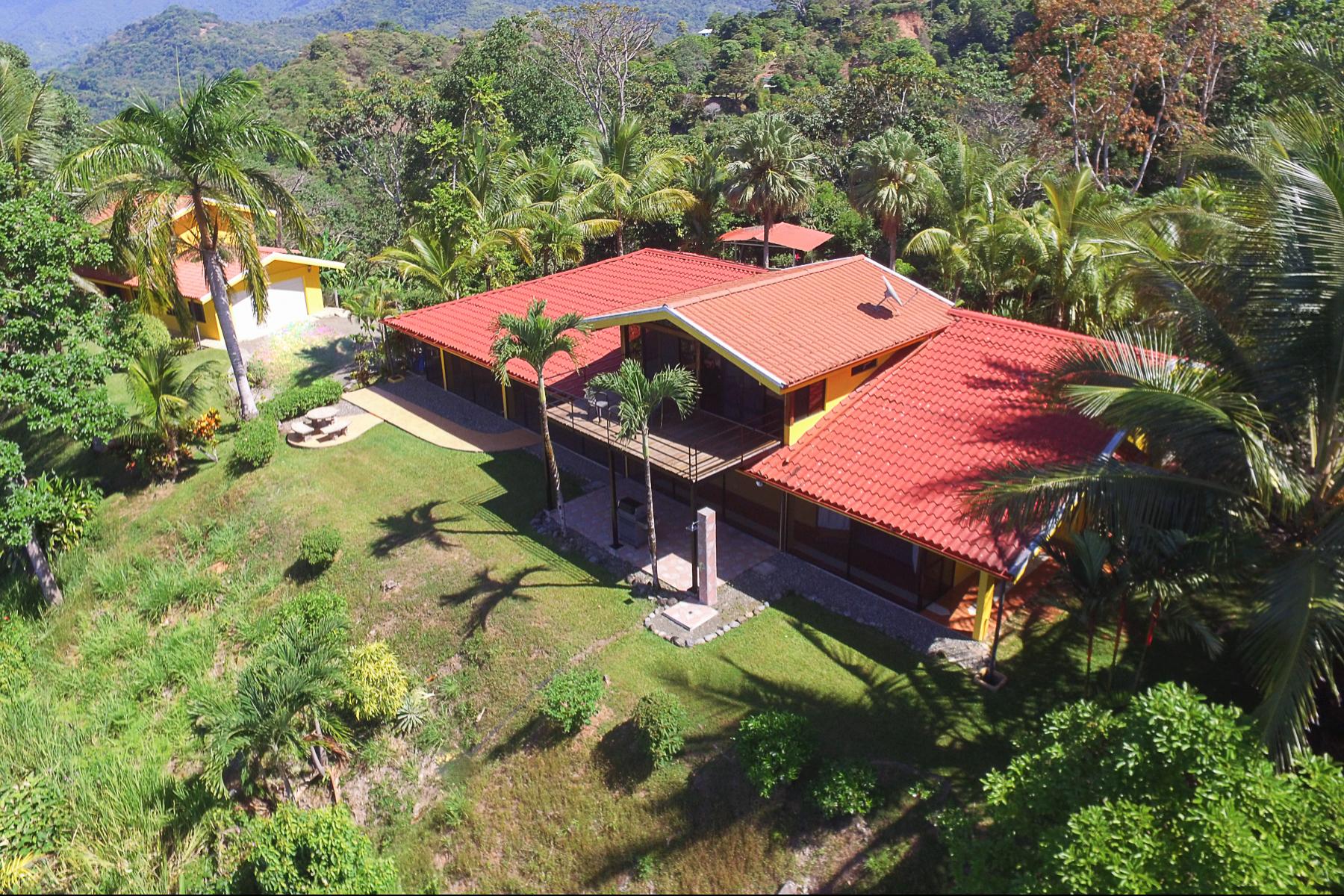 Single Family Homes por un Venta en Yellow Wonder, Puntarenas Other Puntarenas, Puntarenas Costa Rica