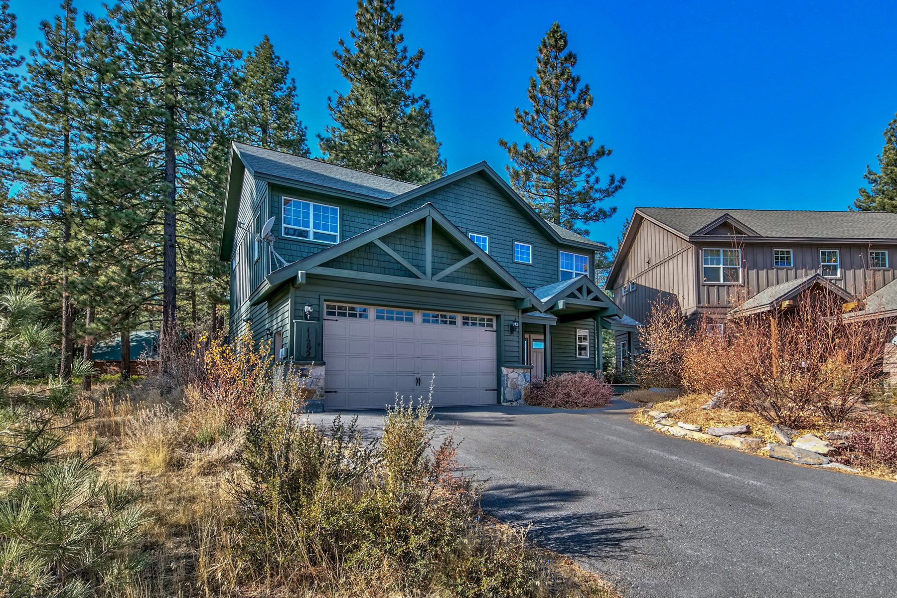 Additional photo for property listing at 11292 Wolverine Circle, Truckee, CA 11292 Wolverine Circle Truckee, California 96161 United States
