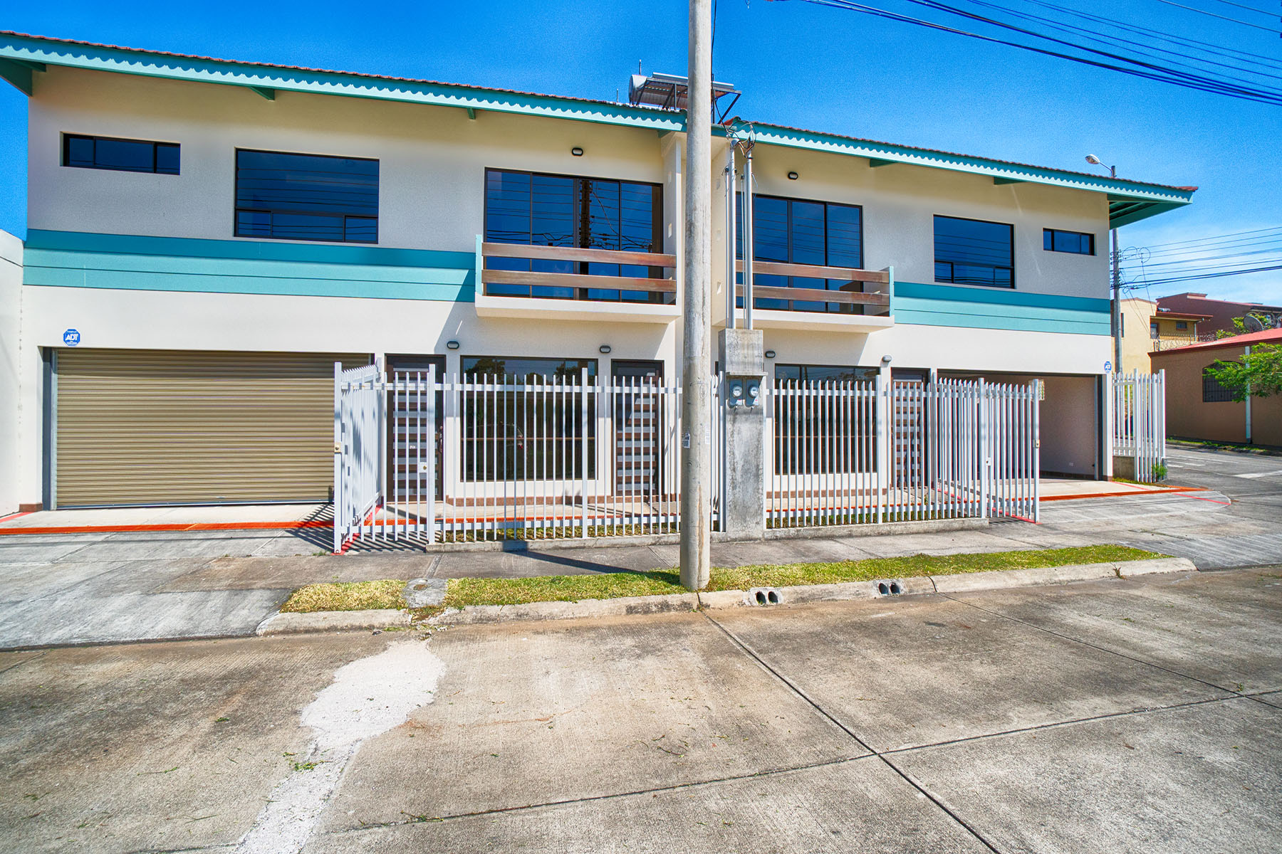 Additional photo for property listing at Quizarco Contemporaneo I Other Heredia, Heredia Costa Rica