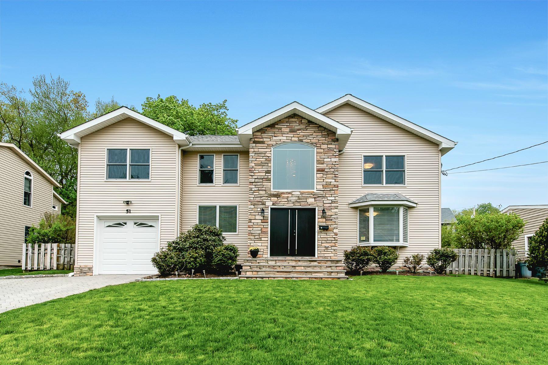 Частный односемейный дом для того Продажа на Exceptional Tenafly Colonial! 51 Carleton Terrace Cresskill, Нью-Джерси, 07626 Соединенные Штаты