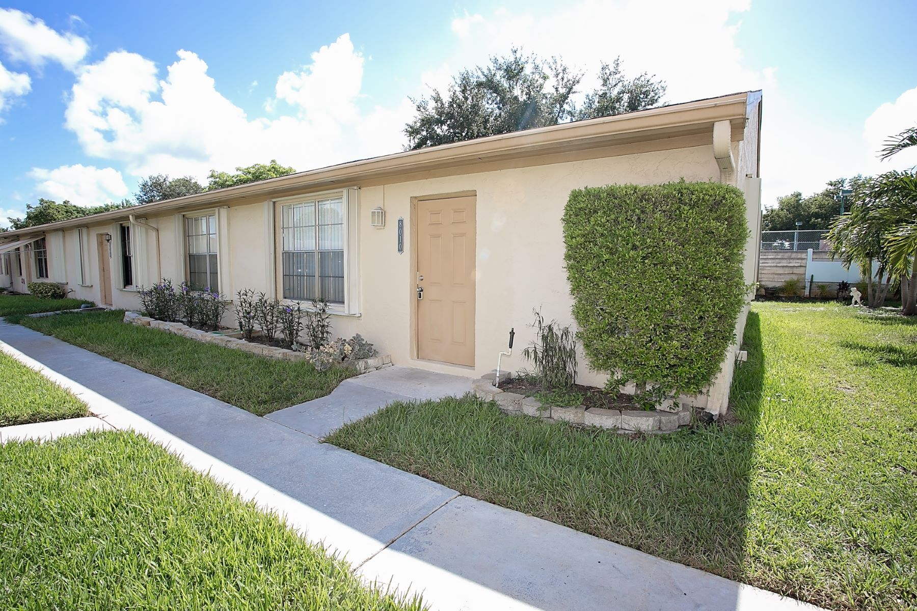 Maison unifamiliale pour l à louer à 8010 SW 20 PL Davie, Florida 33324 États-Unis