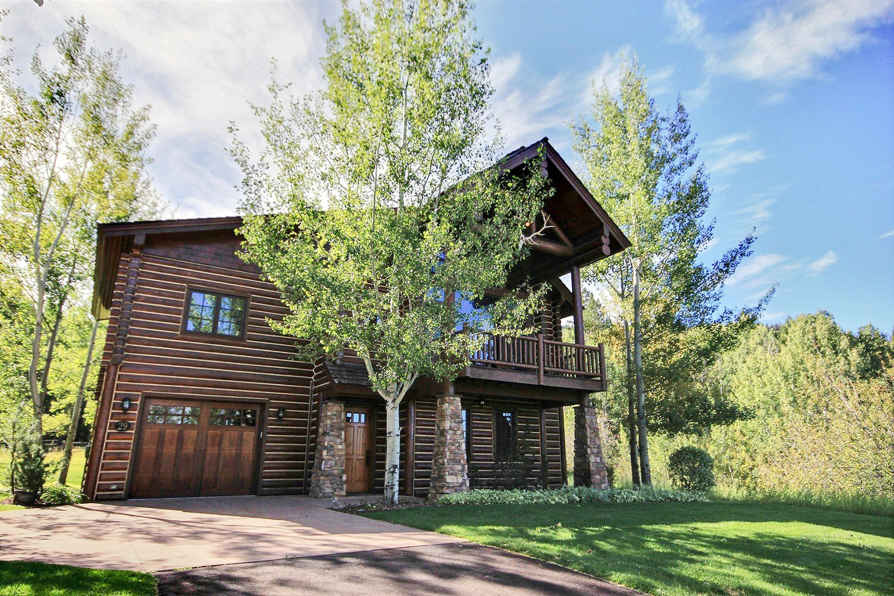 Single Family Homes for Active at Luxurious Turn - Key Forest Cabin in Teton Springs 29 Bannock Cir Victor, Idaho 83455 United States