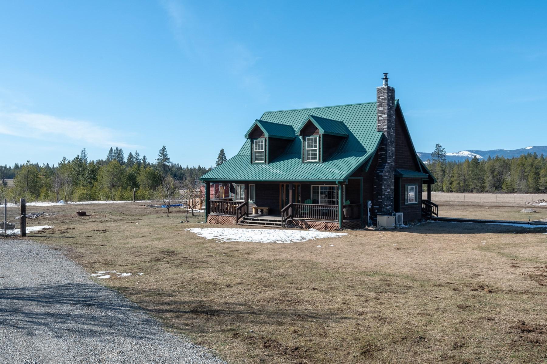 Single Family Homes für Verkauf beim Vay Farmhouse 4290 Vay Rd, Priest River, Idaho 83856 Vereinigte Staaten