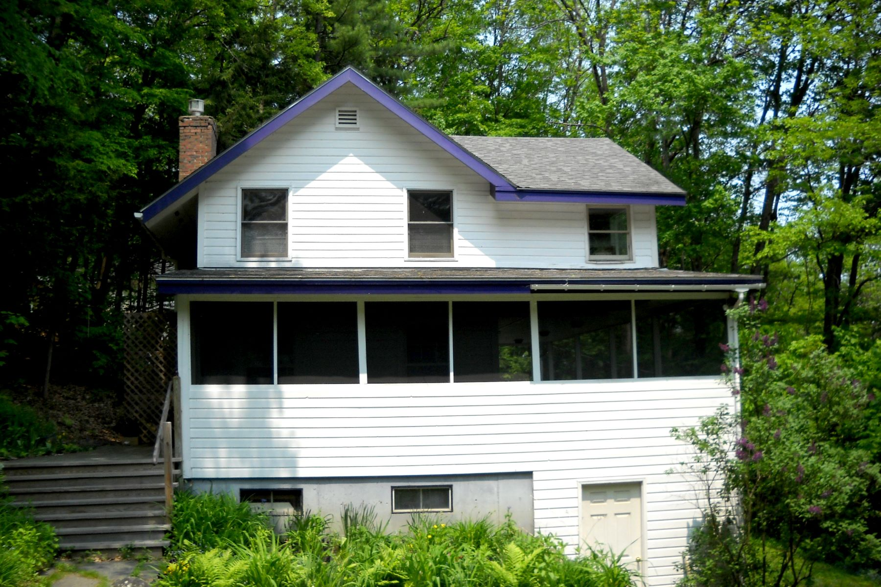 single family homes for Sale at Two Bedroom Multi-level Home in Fairlee 98 Bald Top Rd Fairlee, Vermont 05045 United States