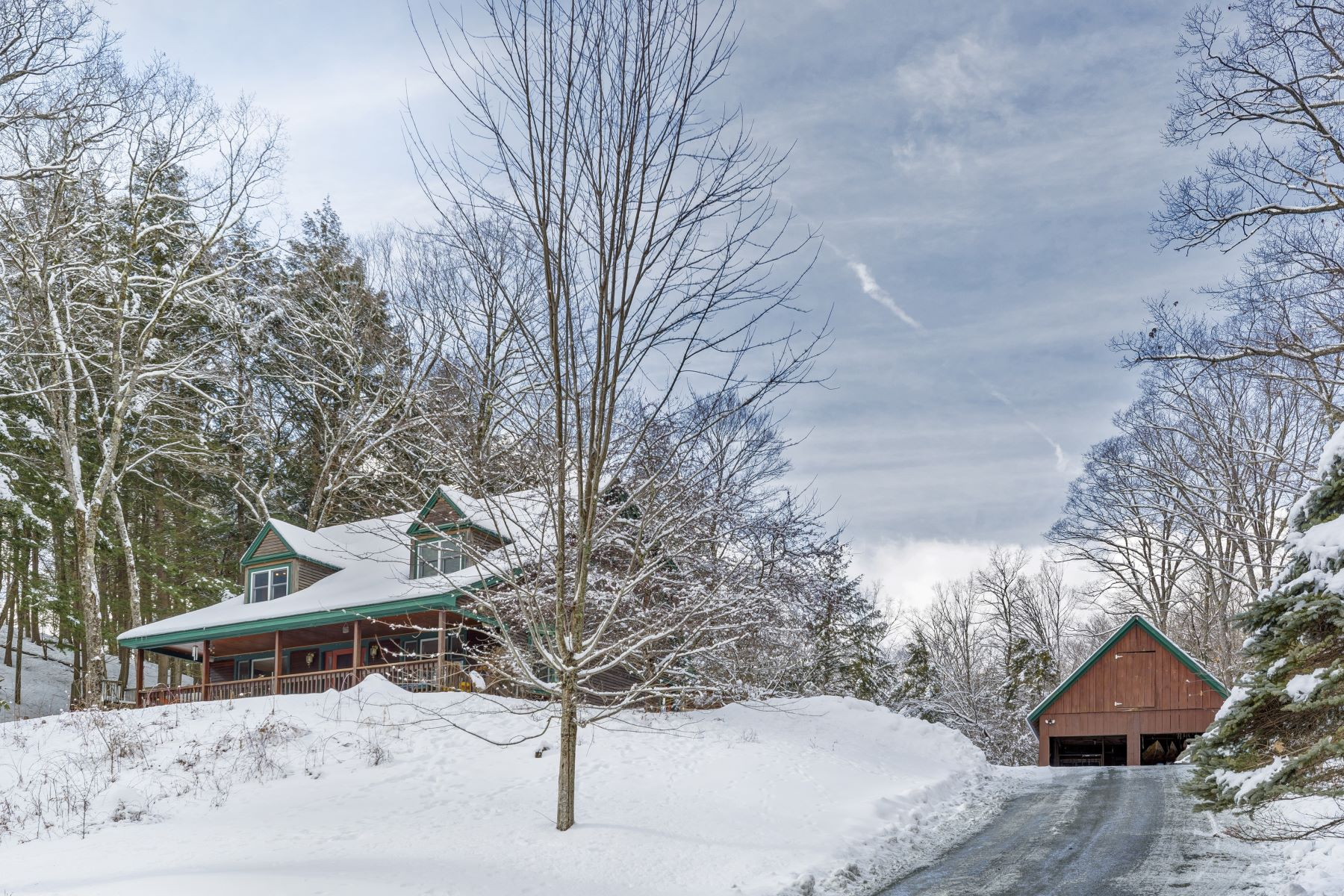 Single Family Homes for Sale at 163 Reb Mountain Drive, Thetford 163 Reb Mountain Dr Thetford, Vermont 05075 United States