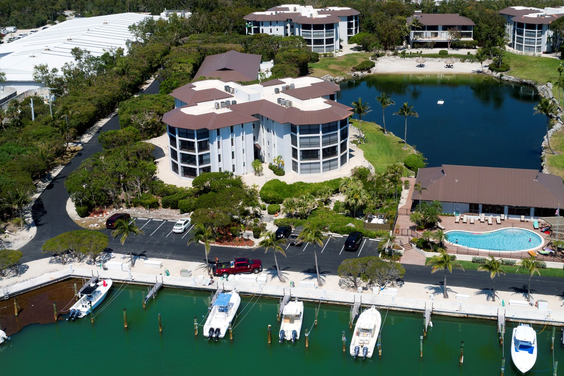 Additional photo for property listing at Exclusive Coral Harbor Ground Level Unit 88181 Old Highway #3C Islamorada, Florida 33036 Vereinigte Staaten