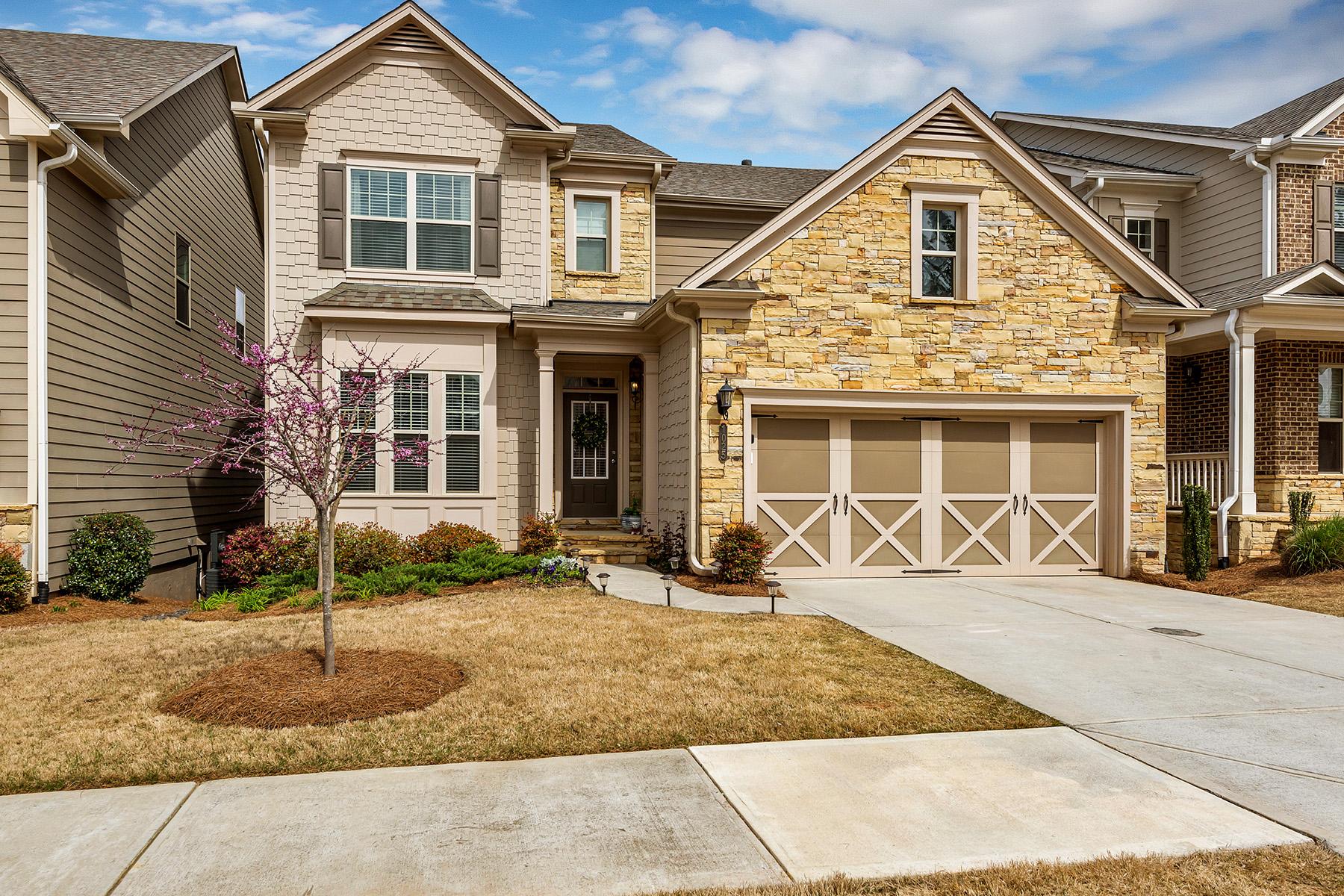 Moradia para Venda às Charming Spacious Roswell Home 1025 Roswell Manor Ct Roswell, Geórgia 30076 Estados Unidos