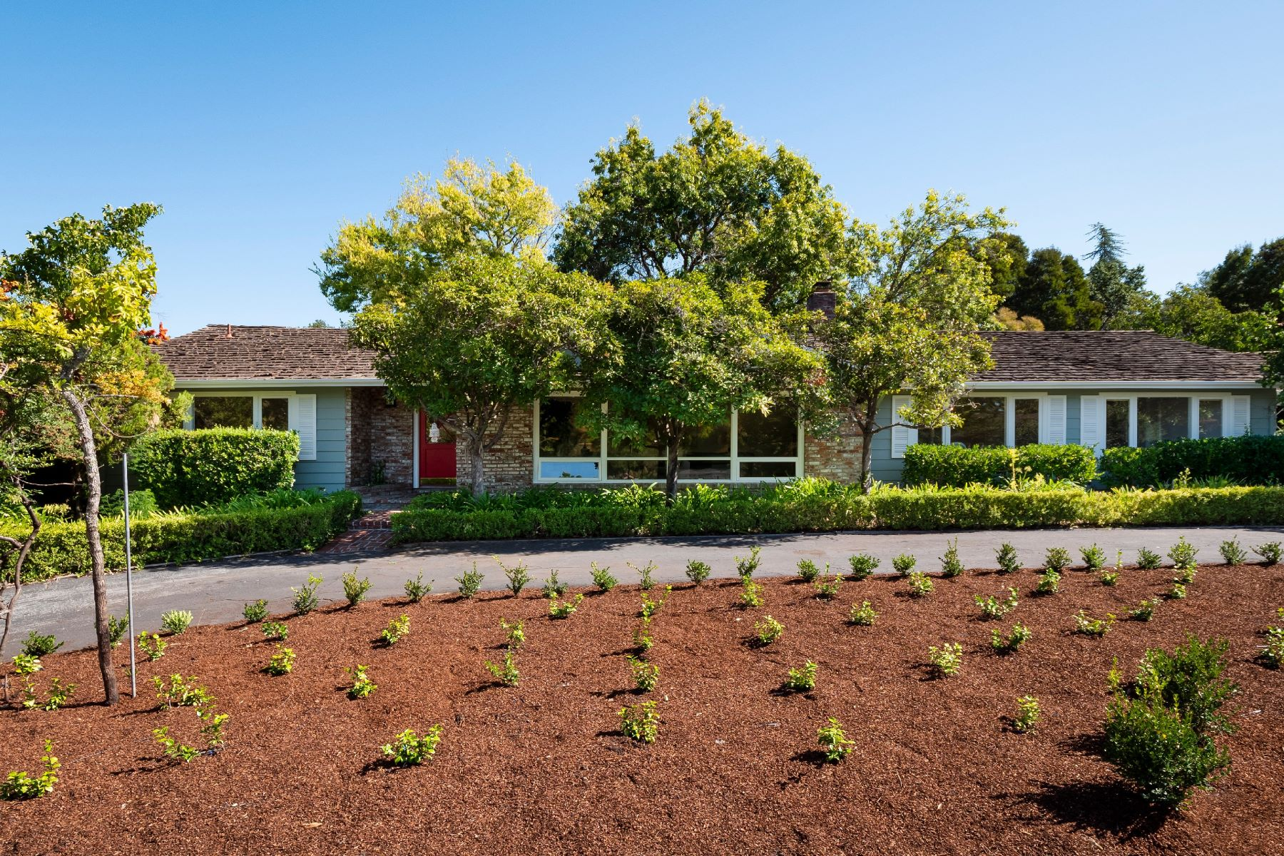 Single Family Homes for Sale at Rarely Available Sunny Woodside Ranch Home on a Quiet Cul-de-Sac 2165 Ward Way Woodside, California 94062 United States