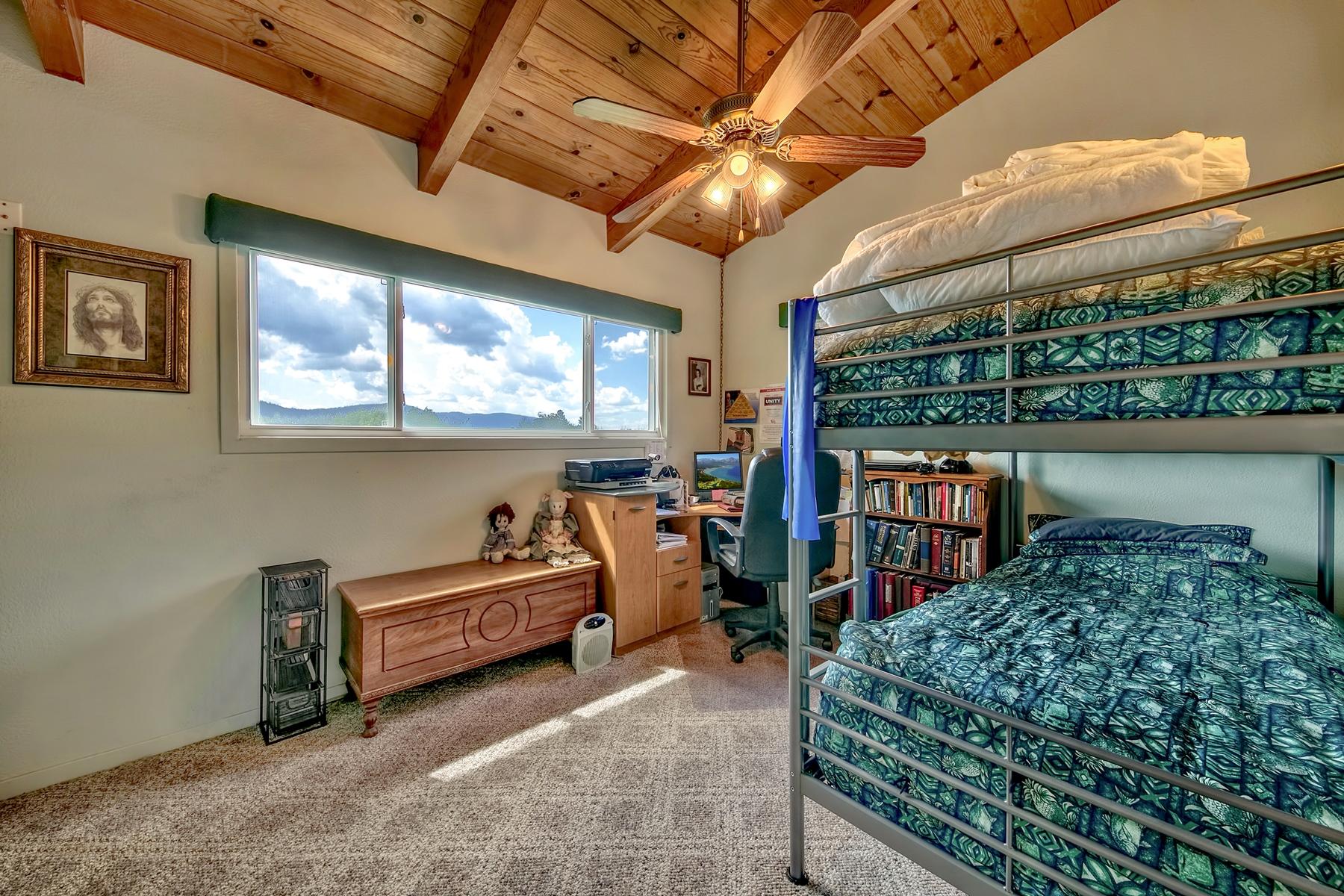 Additional photo for property listing at 433 S Lincoln St, Sierraville, CA 96126 433 S Lincoln St. Sierraville, California 96126 Estados Unidos