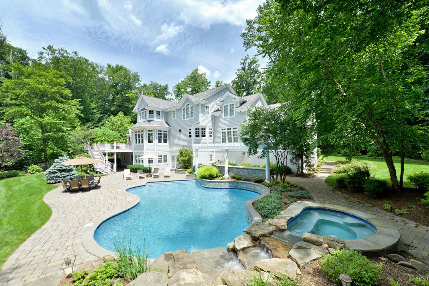 Casa Unifamiliar por un Venta en Sophisticated Country 13 Glenwood Drive, Saddle River, Nueva Jersey, 07458 Estados Unidos