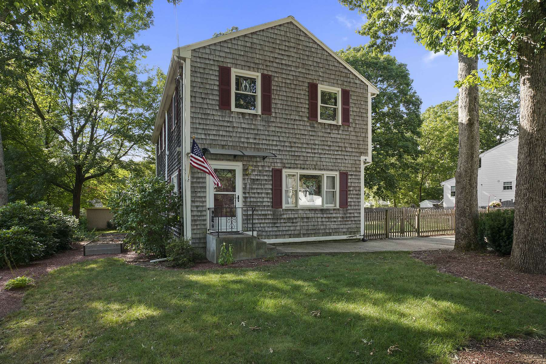 Single Family Homes for Sale at 22 Edgewood Rd Holbrook, Massachusetts 02343 United States