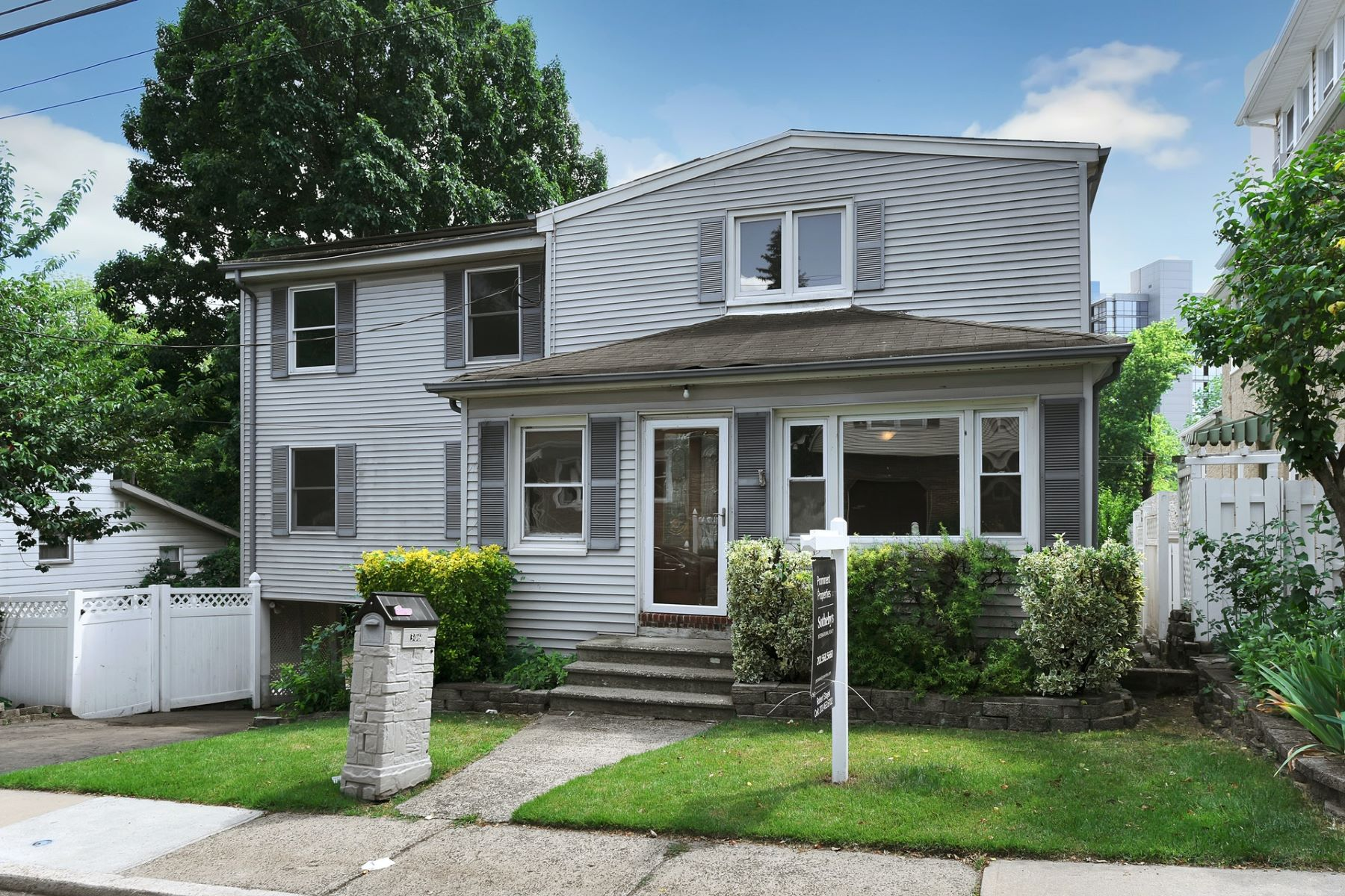 Single Family Homes for Active at Great Opportunity! 306 Harding Ave Teaneck, New Jersey 07666 United States