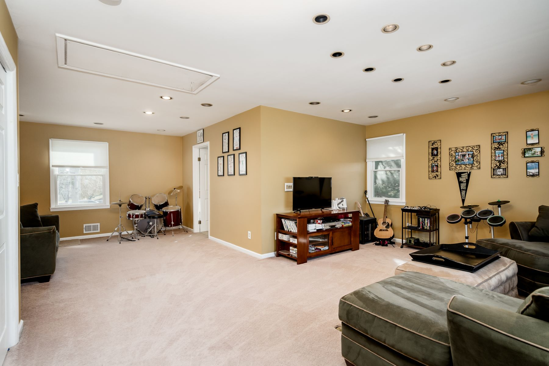 Additional photo for property listing at Designed For Fun 5 Berkley Avenue, Belle Mead, New Jersey 08502 United States