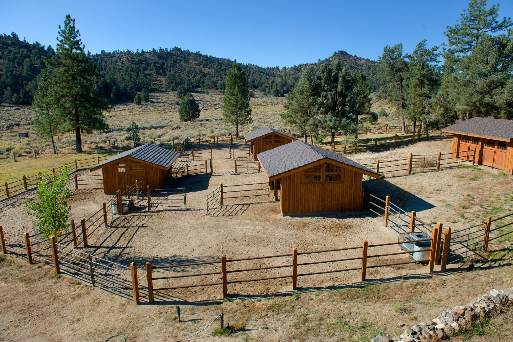 Additional photo for property listing at Spring Valley Ranch - Rare Mountain Valley Equestrian Property 33224 Seymour Canyon Road Lockwood, California 93225 United States