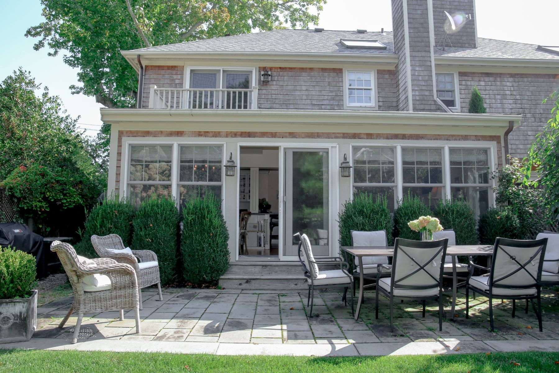 Additional photo for property listing at 18 Cliff Avenue Newport, Rhode Island 02840 United States