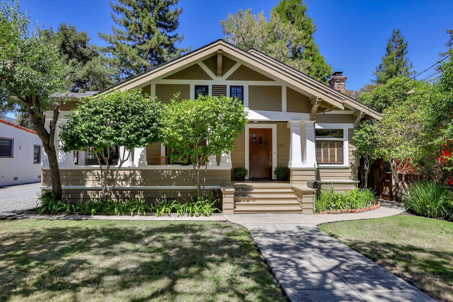 Single Family Homes for Active at Historic Beauty in downtown Los Gatos! 235 Los Gatos Boulevard Los Gatos, California 95030 United States