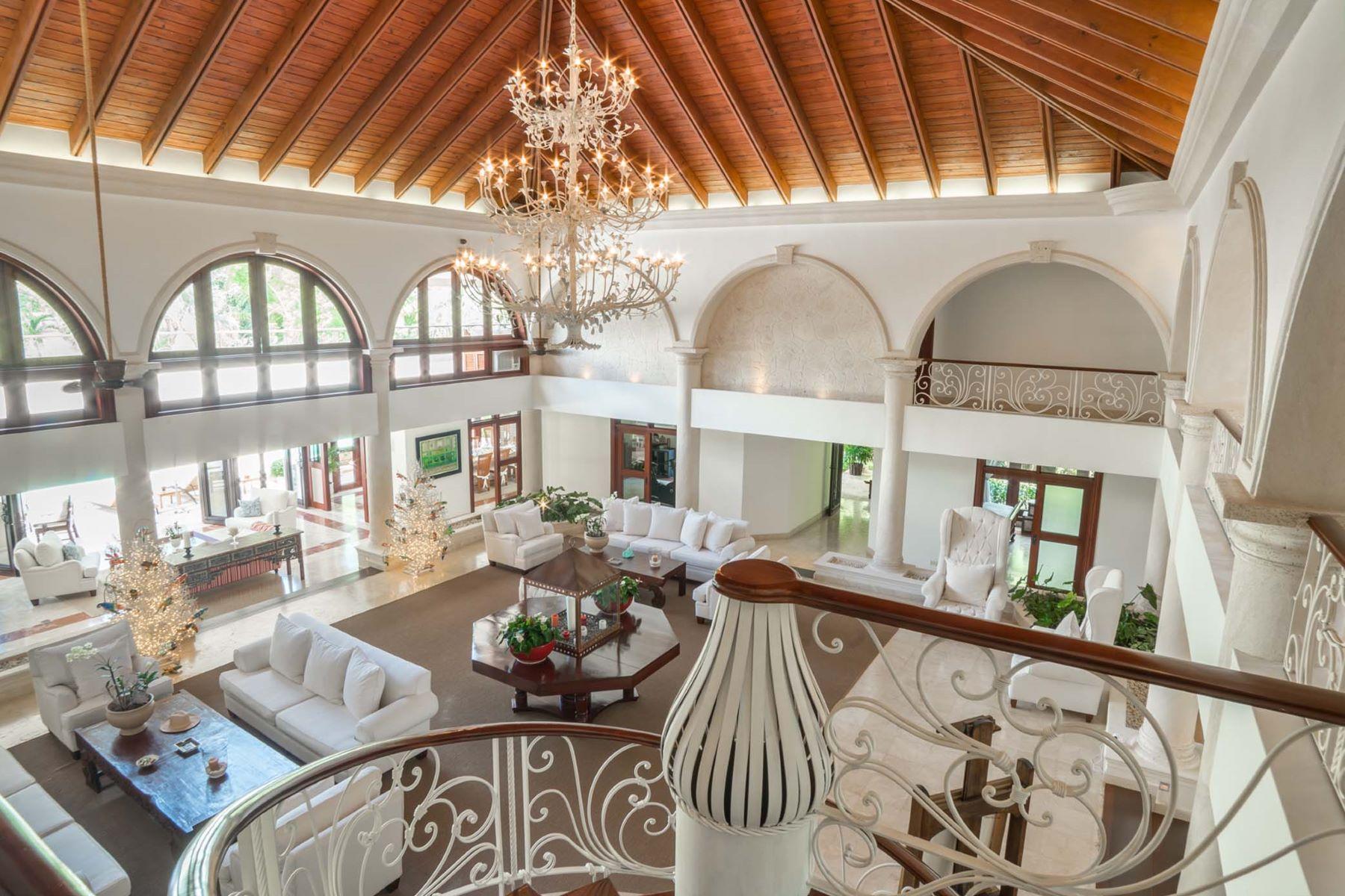 Single Family Homes para Venda às Punta Aguila # 41/42 - An exquisite double-lot estate close to the sea Casa De Campo, La Romana República Dominicana