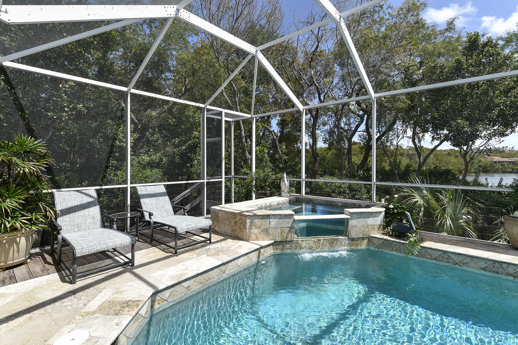 Additional photo for property listing at Golf and Lakefront View Home at Ocean Reef 18 Cinnamon Bark Lane Key Largo, Florida 33037 Estados Unidos