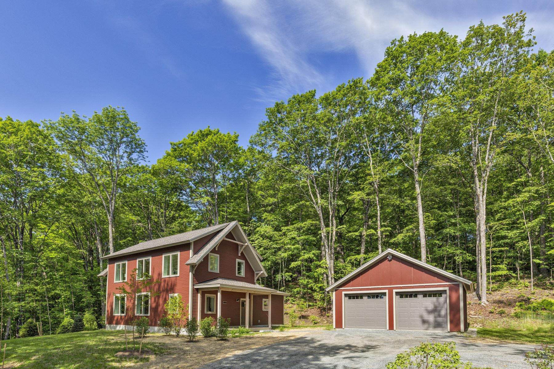 Single Family Homes for Sale at Three Bedroom Farmhouse in Quechee Lakes 1880 Willard Rd 5328 Hartford, Vermont 05059 United States