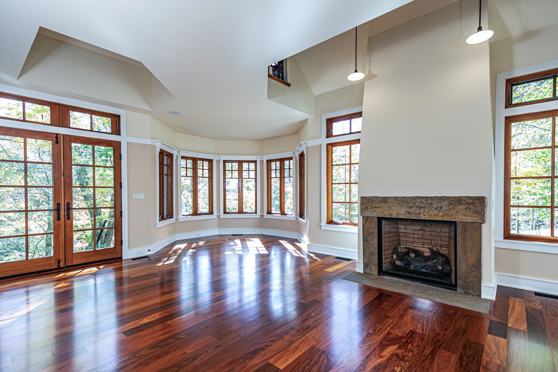 Additional photo for property listing at Luxury Craftsman Home Perched Above Stoney Brook 37 Stoney Brook Lane, Princeton, New Jersey 08540 United States