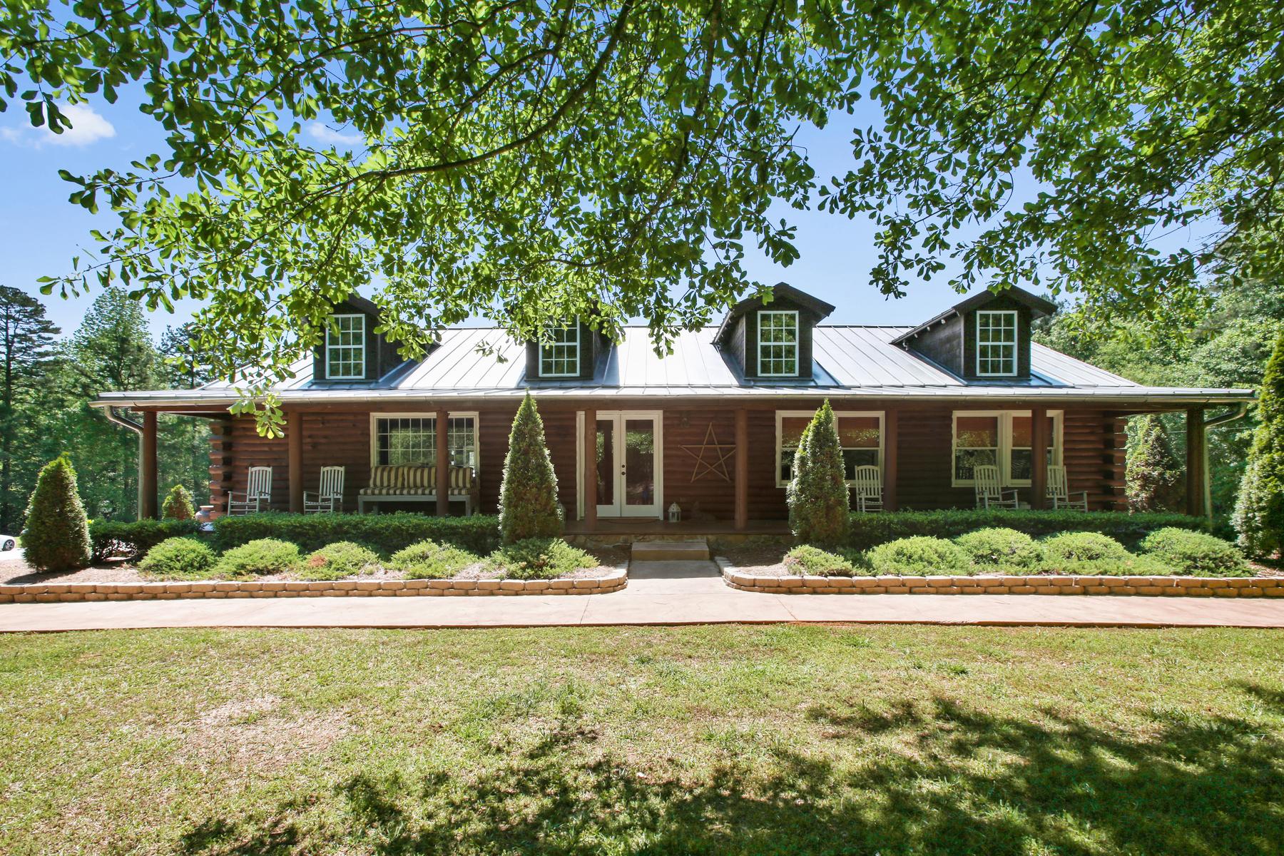 Частный односемейный дом для того Продажа на Stunning Equestrian Property With Income Potential 12000 Hutcheson Ferry Road Palmetto, Джорджия 30268 Соединенные Штаты