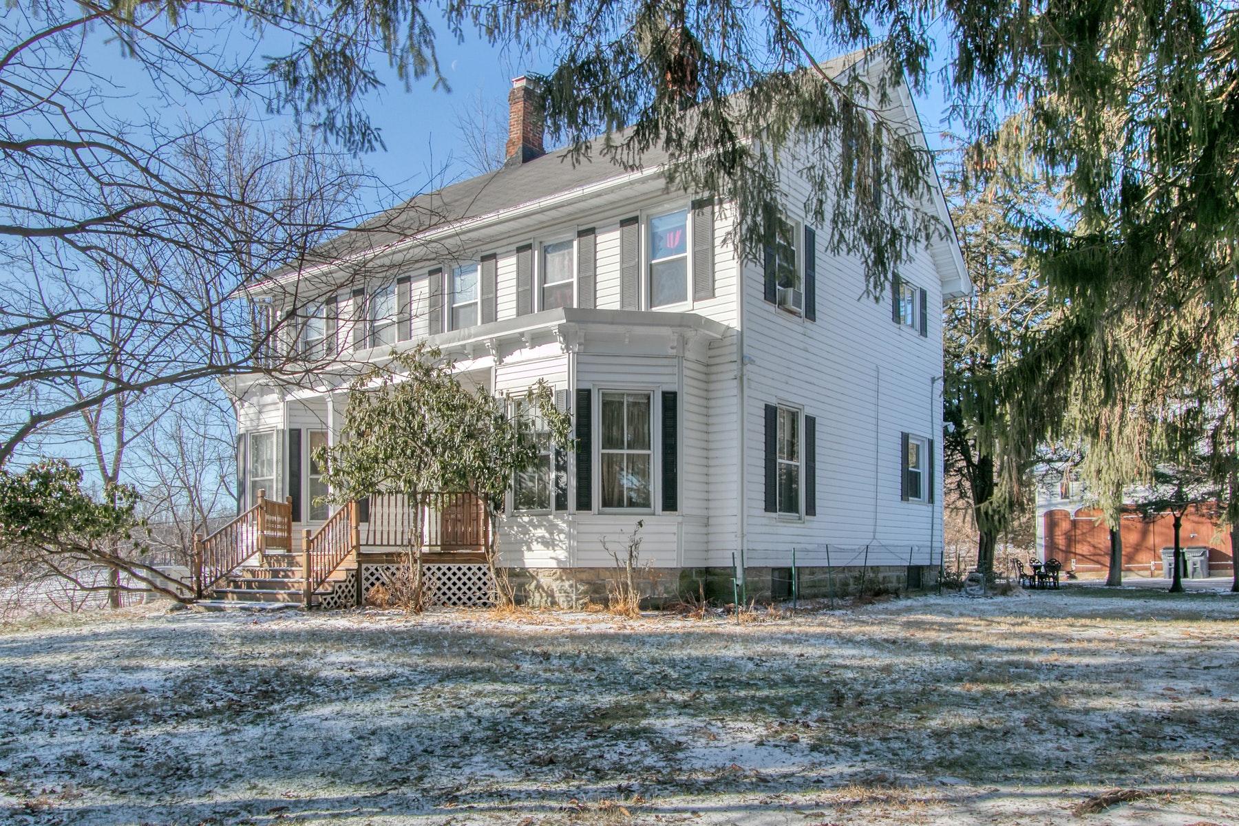 Single Family Homes 為 出售 在 Stately Colonial 369 Jessup Road, Warwick, 纽约 10921 美國