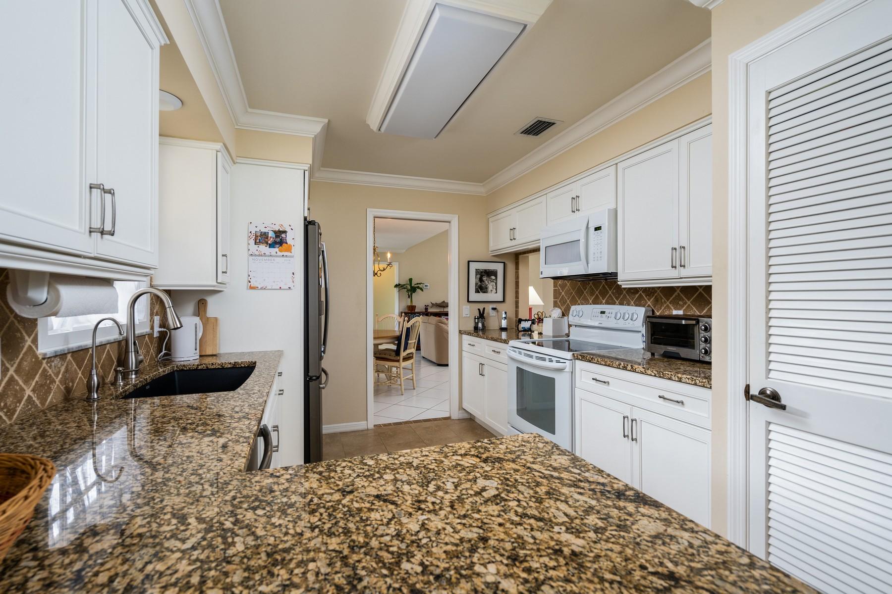 Additional photo for property listing at Superb Golf Villa With Panoramic Golf and Lake Views 120 Prestwick Circle Vero Beach, Florida 32967 Förenta staterna