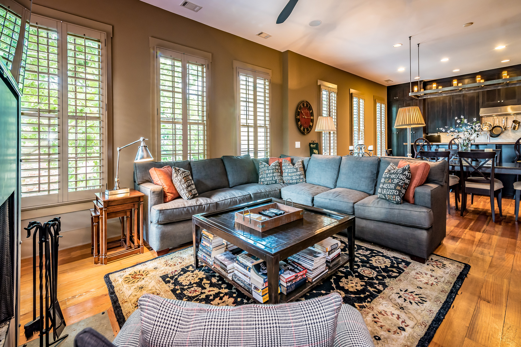 Additional photo for property listing at Amazing Modern Historical Home 43 Sloan St Roswell, Georgia 30075 Hoa Kỳ