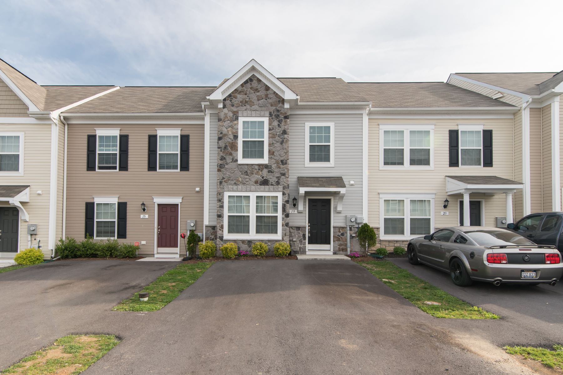 townhouses for Active at 19 Teakwood Drive Martinsburg, West Virginia 25404 United States