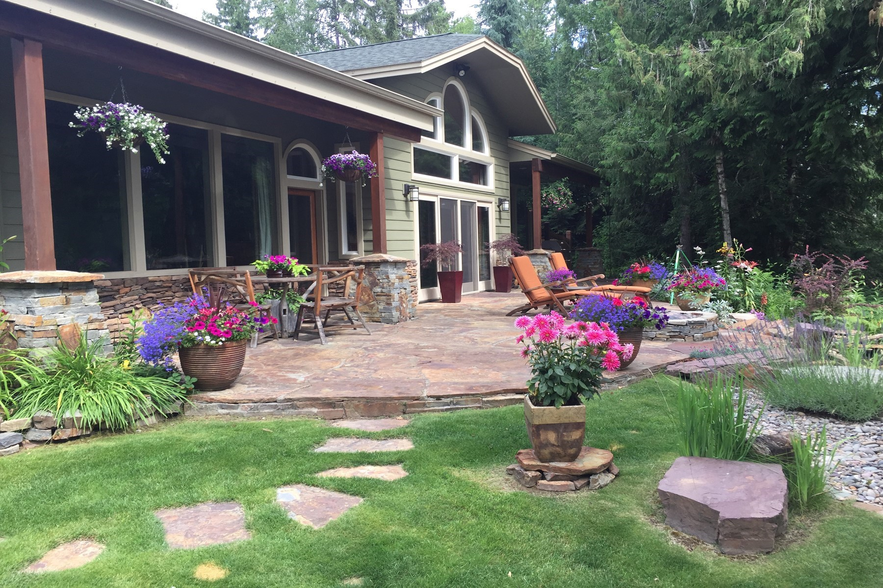 Single Family Home for Active at Home & Acreage On The Pack River 222 Laricina Way, Sandpoint, Idaho 83864 United States