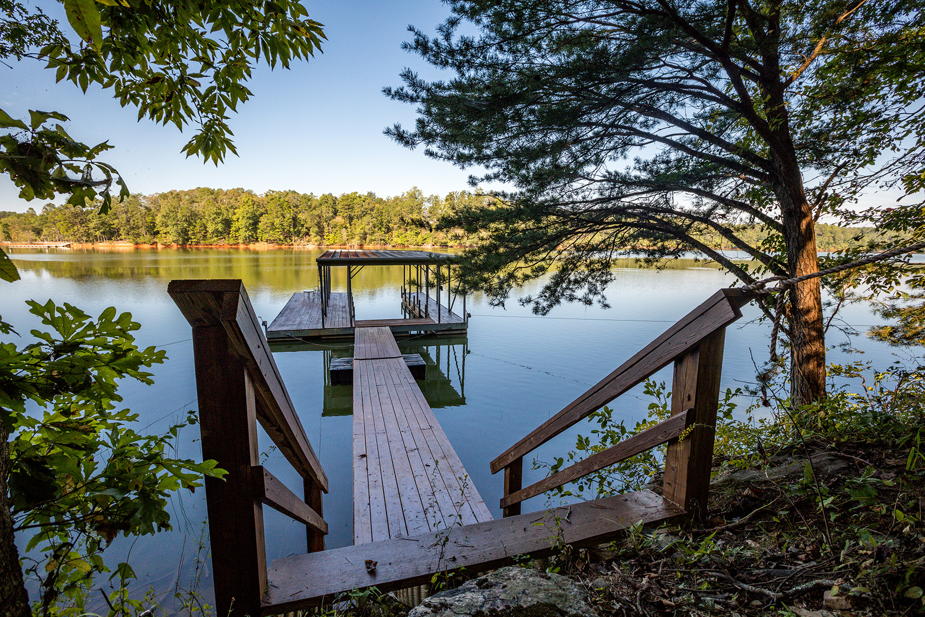 Single Family Homes for Active at Lake Lanier Retreat 4215 Cagle Road Lula, Georgia 30554 United States