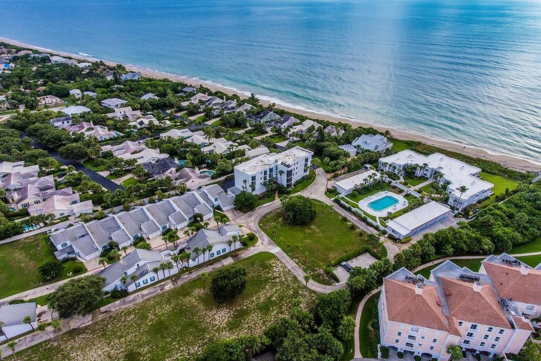 condominiums 용 매매 에 Condo With Beautiful Ocean Views 5810 Highway A1A #4B Indian River Shores, 플로리다 32963 미국