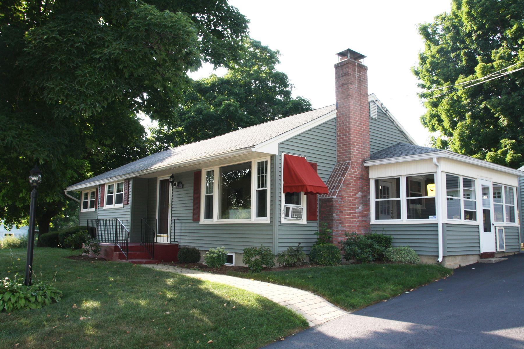 Частный односемейный дом для того Продажа на one level living 35 Easterly Ave, Rutland, Вермонт, 05701 Соединенные Штаты