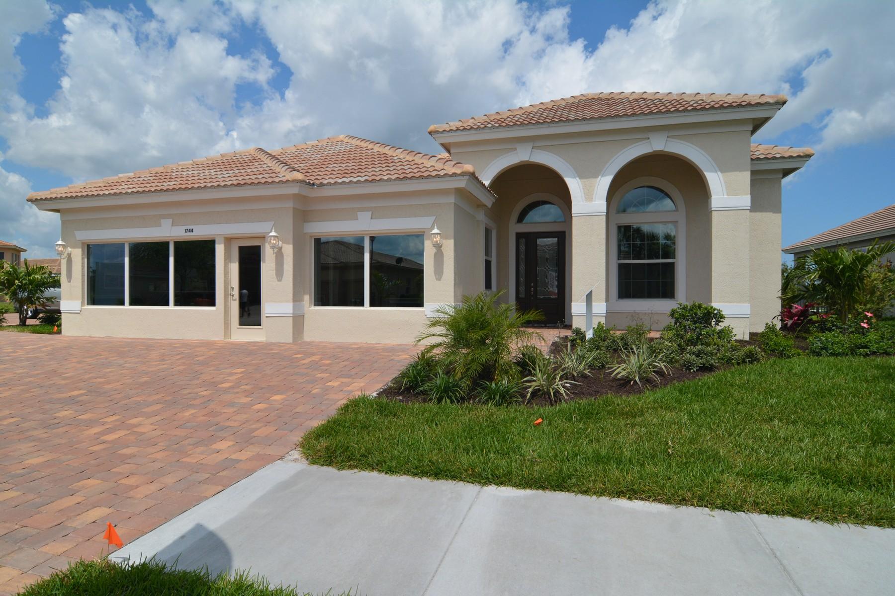 Villa per Vendita alle ore Magnificent Model Home in Millstone Landing 1744 Belmont Circle Vero Beach, Florida, 32968 Stati Uniti