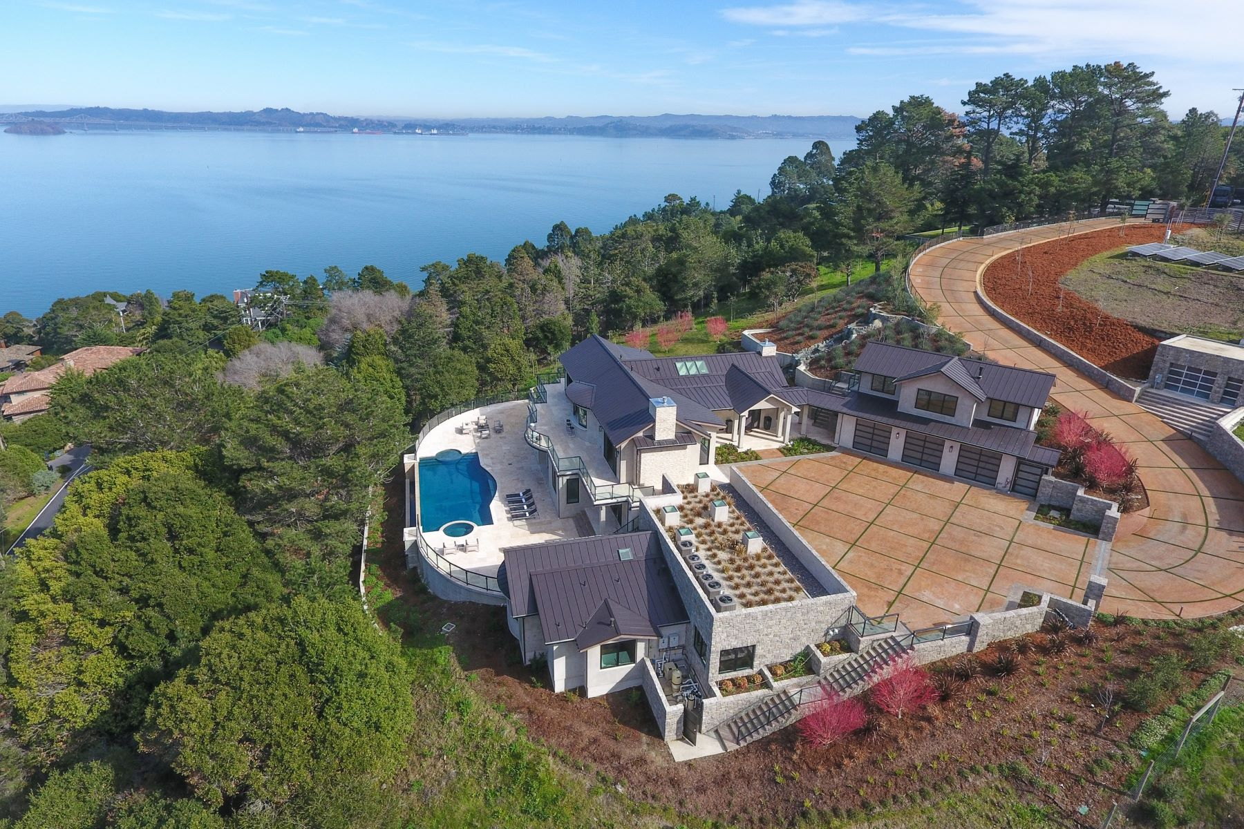 واحد منزل الأسرة للـ Sale في Modern Hillside Estate 28 Teaberry Ln Tiburon, California 94920 United States