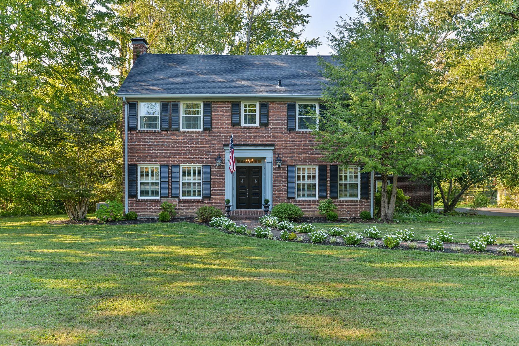 Single Family Homes للـ Sale في Anchorage, Kentucky 40223 United States