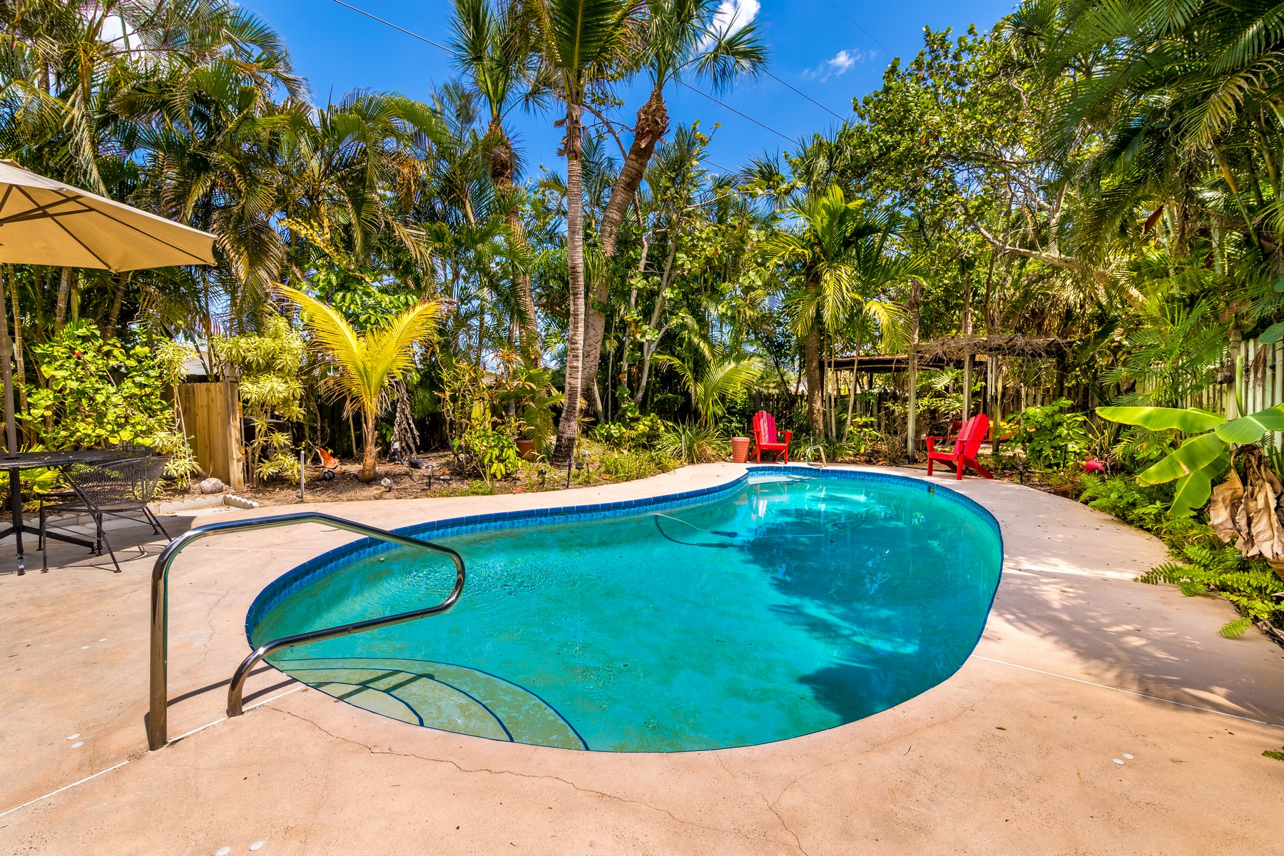 Additional photo for property listing at Charming Tropical Oasis 326 Oakland Ave Indialantic, Florida 32903 United States