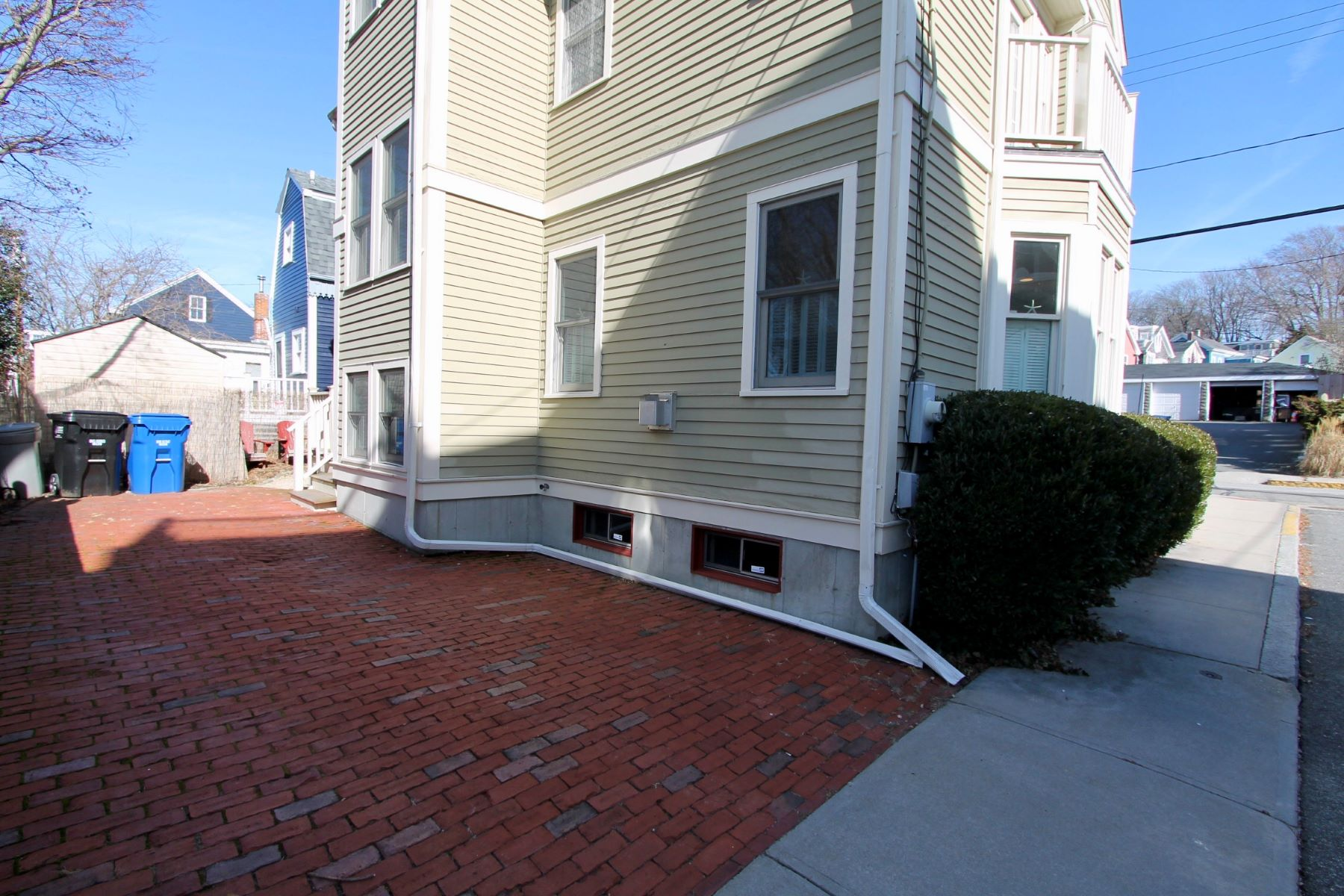Additional photo for property listing at Yachting Village Cottage 379 Spring Street Newport, Rhode Island 02840 United States
