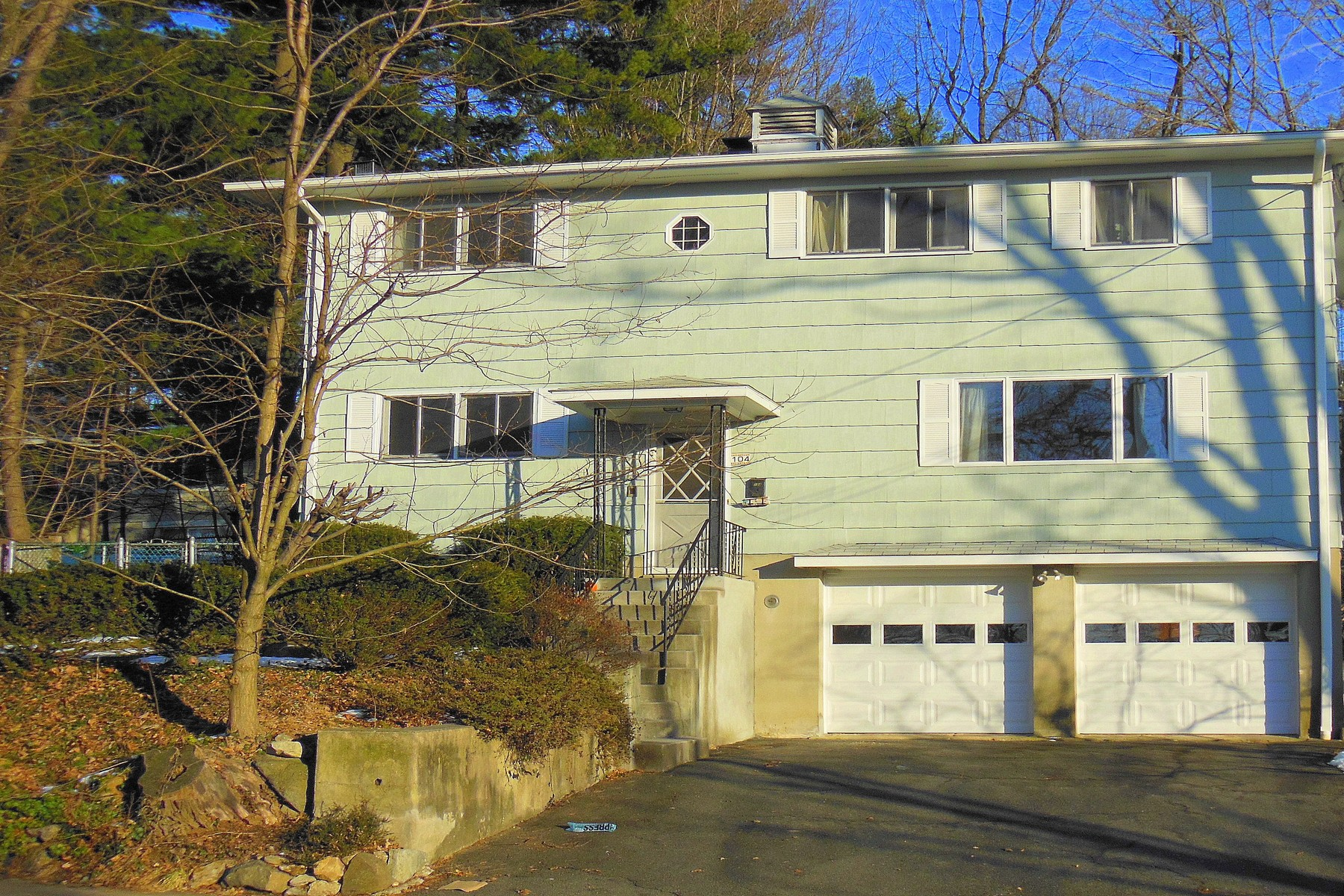 Single Family Home for Rent at Immaculately Maintained 104 Cleveland Drive Croton On Hudson, New York 10520 United States