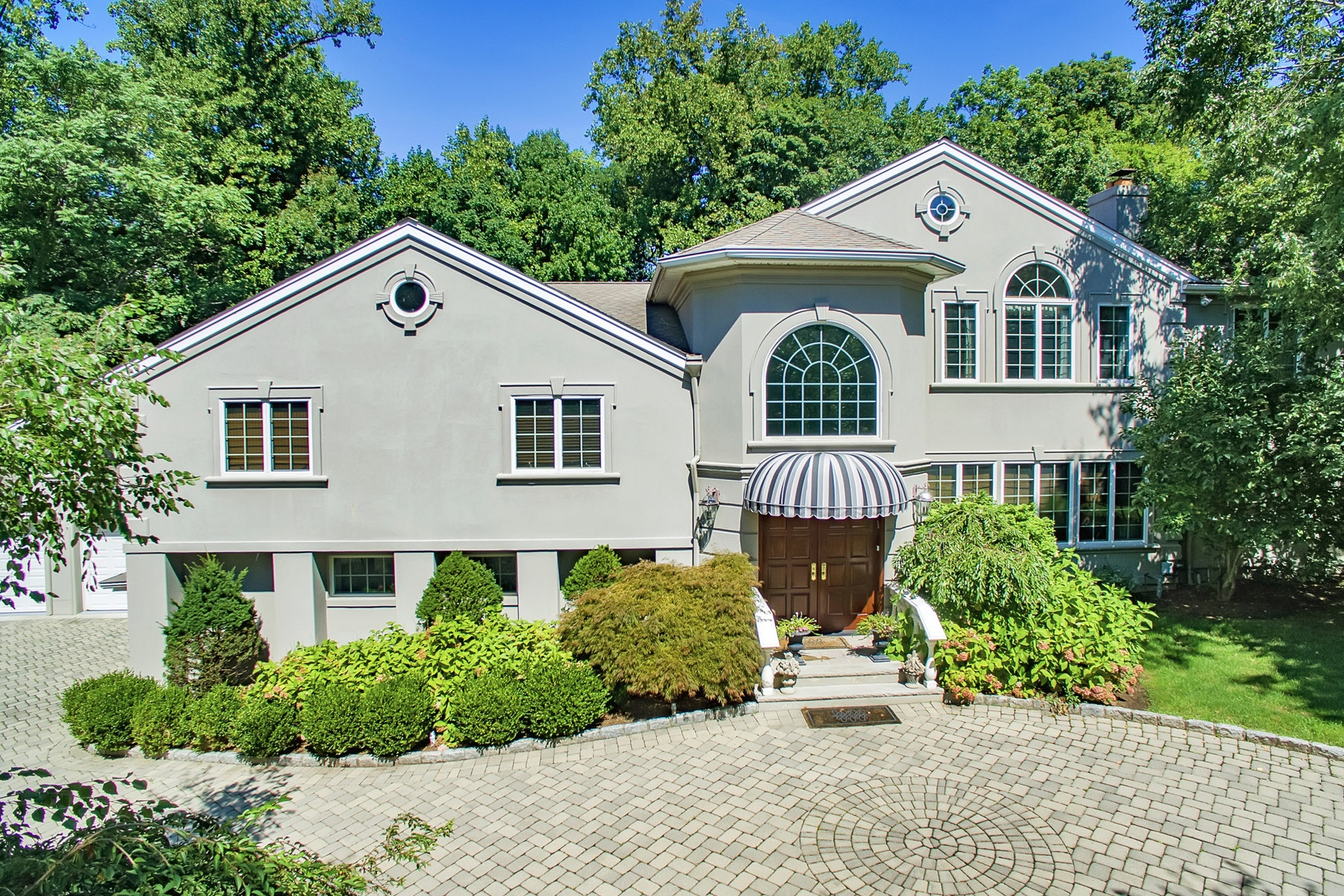 Single Family Home for Sale at ONE OF A KIND EXQUISITE DECORATOR'S OWN EAST HILL HOME 23 Suffolk Lane, Tenafly, New Jersey 07670 United States