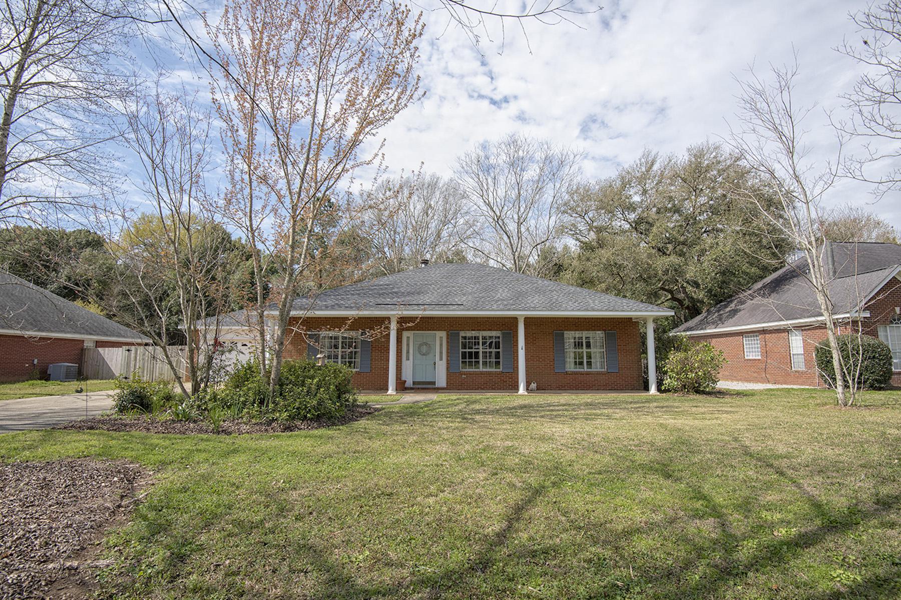 Single Family Homes para Venda às White Grove 20795 Lowry Drive, Fairhope, Alabama 36532 Estados Unidos
